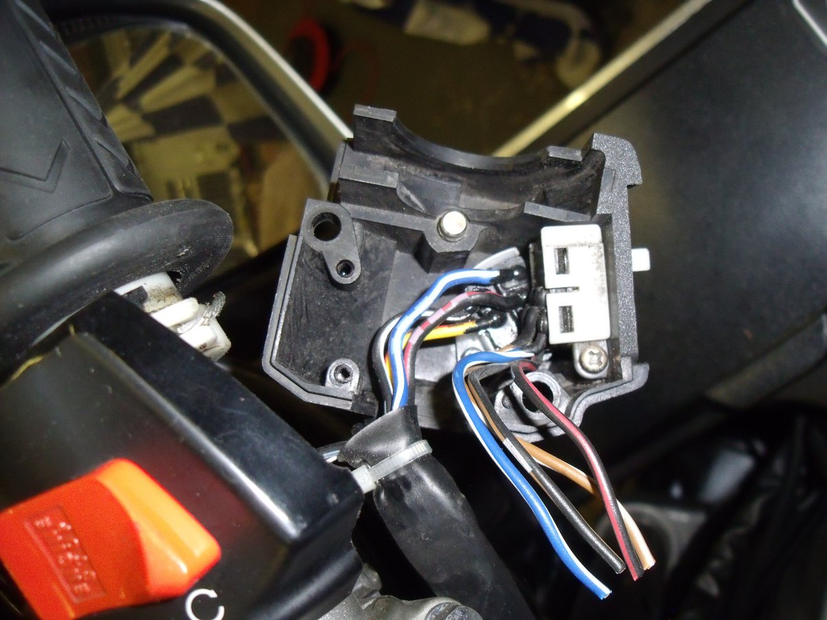 Honda St1300 Heated Grips For Goldwing Wiring Diagram I Wanted To Reinstate The Whole Lighting Circuit But Studying Sts Showed What A Headache It Would Be Sidelights Are No Longer Fed